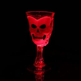 2019 óculos de piquenique ao ar livre Copo Do Crânio 3D Decoração Do Partido Beer Red Wine Cup com Flash Light Halloween LED Canecas Atacado