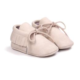 Milch schuhe online-Hübsche Milchfarben Jungen Mädchen Schuhe Soft Bottom Schuhe Kleinkind Baby Mokassins