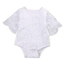 Body blanc creux dentelle nouveau-né bébé filles manches manches à volants Combinaison Jumpsuit tenues ? partir de fabricateur