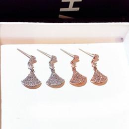 moda brincos de diamante hoop Desconto Brincos de Diamante de luxo Para Lady Moda Rhinestone Hoop Chandelier Stud Personalidade S925 Prata Em Forma de Leque Brinco Do Parafuso Prisioneiro Para A Menina