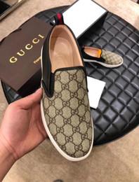 Scarpe alla moda a piedi gli uomini online-Scarpe piatte stampate in pelle con strato superiore, scarpe casual da uomo, pelle di alta qualità stampata a mano, scarpe da sposa da passeggio alla moda 2DH2A3
