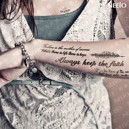 2019 letras falsas tatuagem Cartas de Tatuagem Temporária à prova d 'água para As Mulheres Braço Perna Peito Corpo Tatuagens Falsas Adesivos Mulher Homem Sexy Preto Grande Maquiagem Yeeech letras falsas tatuagem barato
