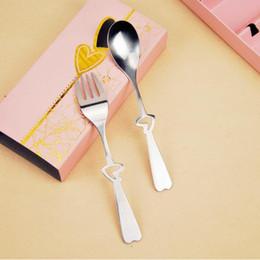 Wholesale wholesale wedding dinnerware - Stainless Steel Dinnerware Sets European Style Love Heart Creative Wedding Giveaway Portable Fork Spoon Set Party Favor CCA9837 100pcs