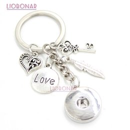 imitations handbags Promo Codes - 10PCS Wholesale DIY 18mm Snap Jewelry Snap Button Keychain Feather Love Key Chain Handbag Charm Key Ring Gifts Bijoux
