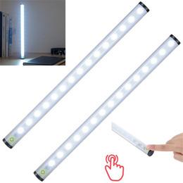 cucine di cottage bianche Sconti USB LED ricaricabile Sensore tattile Armadio da cucina Lampada luce Armadio Armadio Vetrina Scaffale bianco luci a led