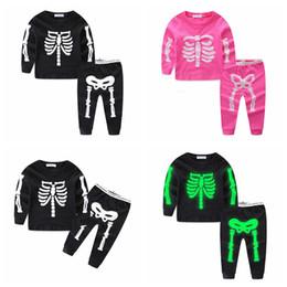 Ins Cadılar Bayramı Çocuklar Aydınlık İskelet Eşofman 2 adet takım elbise Bebek Kafatası Giyim Setleri Gece Işık Uzun Kollu Kazak + Pantolon Kıyafet GGA1163 supplier lights outfits nereden işık kıyafeti tedarikçiler