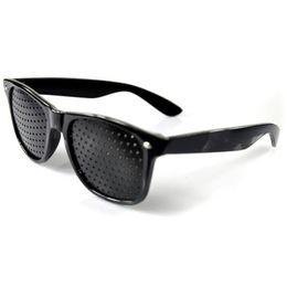 2019 gafas de sol pinhole Estilo de la moda Gafas Unisex Antifatiga Stenopeic Pinhole Eyewear Eyesight Mejorar el cuidado de la visión Sunglass Free DHL HH7-890 rebajas gafas de sol pinhole