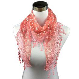Треугольник кружевных кружев онлайн-2017 новый бренд шарфы женщины высокая мода кружева кисточкой Sheer Burntout цветочный принт треугольник повязки Мантилья шарф шаль