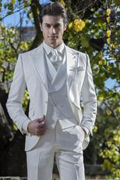 Si adatta al colore bianco online-Colore Pure White Sposo Smoking tre pezzi (Blazer + Pant + Vest) Unico Abbigliamento formale per un gruppo Abiti da prestazione per feste Moda Cappotti