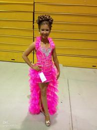 Heißes rosa hallo kleid online-2018 New Little Girl Pageant Kleider Pink Hi Lo Bling Rüschen Organza Layered Kids Party Kleider