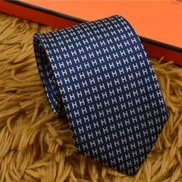 Homme en tenue normale en Ligne-2018 mode hommes cravates 17 Styles cravate robe entreprise Gravata hombre corbata Vestidos hommes cravate Casual Polyester soie cravate H76-01