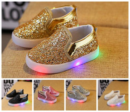 Wholesale Baby Led Light - Kids Glowing Sneakers Baby Girls Boys LED Light Shoes Toddler Anti Slip glitter Sequins Sports Casual Shoes