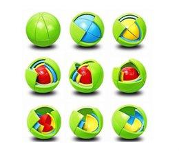 Canada Creative Puzzle Cube Ball Capsule Pinata Intelligence Intelligence Assemblage Balle Pour Pendentif Enfants Faveurs D'anniversaire Jeux Jouets Offre