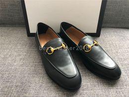 Sapatos de escritório on-line-As melhores mulheres de couro genuíno moda mocassins luxo mulas sapatos de alta qualidade mocassins sapatos horsebit flat red shoes escritório dress sapato