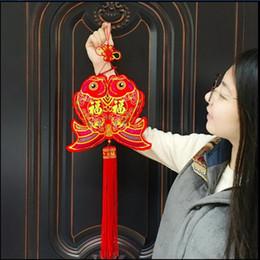 2019 decorazioni cinesi porta nuova anno 2 Pz / lotto Tradizionale nodo cinese piccolo Lucky Fishes Decor Capodanno Party Party Door Festival Hanging Drop Decorazione nodi Pure decorazioni cinesi porta nuova anno economici