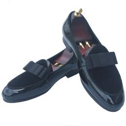 Ручной работы мужские кожаные мокасины вечернее платье обувь скольжения на тапочки квартиры банкет с бабочкой Красное дно свадьба мокасины черный нас 7-13 от Поставщики красный черный формальный ботинок