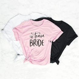 2019 pelotão da moda Equipe de noiva casal t-shirt camiseta rosa feminina esquadrão de noiva roupas bonitas mulheres moda tees de algodão slogan gráfico topos desconto pelotão da moda