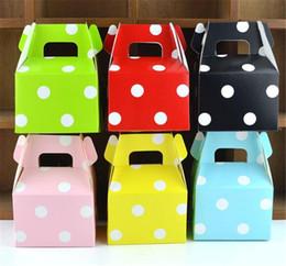 2019 cajas de lunares MOQ 200 unids 1 color caja de dulces de papel de cumpleaños favores de la boda cajas de dulces de lunares caja del favor del partido de los niños Caja de regalo de bricolaje suministros bolso del caramelo de la polca cajas de lunares baratos