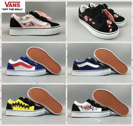 Wholesale Close Children - 2018 vans Classic Kids Shoes Old Skool Casual Boys Girls children Canvas Pink Rose Peanuts Black White Red Skateboard Sports Sneakers 22-35
