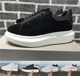 Wholesale grey dress shoes - 2018 Velvet Black Mens Womens Queen Shoe Beautiful Platform Casual Sneakers Luxury Designers Shoes Leather Solid Colors Dress Shoe Sports