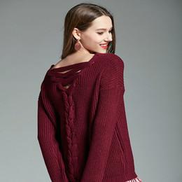 2019 más el tamaño de cuello en v jersey Suéter Mujer Otoño Invierno Volver Correa Plus Size Tejer Pullover V-cuello Loose Knitted Jumper Slim Fit Suéter Mujeres más el tamaño de cuello en v jersey baratos