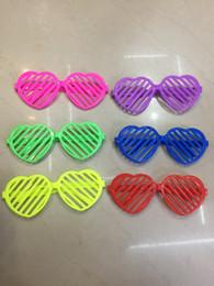 Óculos de pentagrama on-line-Novel Kid Obturadores óculos de sol óculos de decoração de plástico Janela-tons Amor coração Pentagrama óculos para Show de Desempenho Da Festa de Óculos