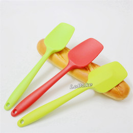 Wholesale Egg Beat - Wholesale-High quality Integral type 27cm spatula espatula de silicone Scraper spoon egg flour butter beating tools for pastry bakeware