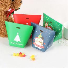 2019 matrimoni etichette 50 pezzi di Buon Natale Candy Box Babbo Natale Albero di Natale Confezione regalo Foresta di neve Rosso verde Scatola di carta Sacchetto regalo Contenitore di caramelle per Natale