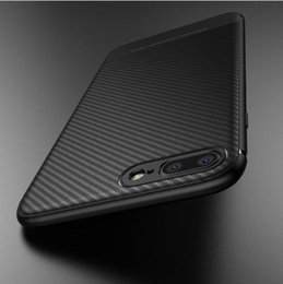 Iphone nero di carbonio online-Custodia in fibra di carbonio per iPhone X iphone 7 8 plus Custodia sottile posteriore sottile per iPhone 6S 6 plus 8 Cover in silicone morbido nero