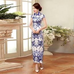 be1dbf434ea28 Mode Bleu Et Blanc En Porcelaine Cheongsam Long Qipao Femmes Chinois  Traditionnel Robe De Style Oriental Robes Vestidos Chines