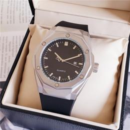 Logo relógios on-line-Venda quente marca LOGO Relógios dos homens 50mm QUARTZO relógios de luxo clássico cavalheiro masculino relógio ocasional Relogio marca relógios para mens