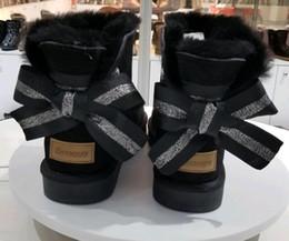 2020 cime di bowtie 2019 Inverno australiano nuovo stile bailey mini fiocco Stivali da neve medi da donna Inverno Stivali da neve di alta qualità Bowtie da donna scarpe invernali taglia 35-41 cime di bowtie economici