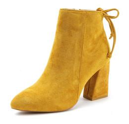 Comprar sapatos de dedos on-line-Comprar moda inverno quente mulher botas de camurça ankle boots de couro com zíper senhoras calcanhar grosso martin botas dedo apontado zx710