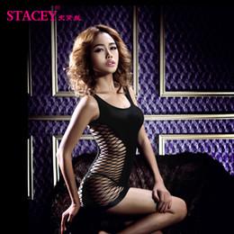 2019 le bambole nere scherzando Stacey Hot Sexy Lingerie Hot Mesh Hollow Baby Doll Dress Erotic Lingerie Black Red Donne costumi sexy Prodotto del sesso per le coppie sconti le bambole nere scherzando