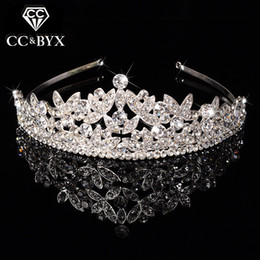Wholesale Fashion Queen Hair - New Classic Queen Top Crystal Tiaras Crowns for Women Fashion Hair Jewelry for Brides Shine Full of pure Wedding Engagement F031