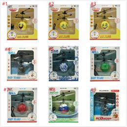 Presentes dos chrismas dos miúdos on-line-RC Drone Bola Voadora helicóptero Helicóptero de Aeronaves Led Piscando Luz Up Brinquedos Indução Brinquedo Elétrico sensor Crianças Voando toy Chrismas Presente
