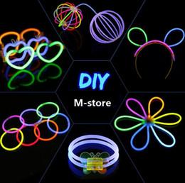 Brinquedos olímpicos on-line-Pulseiras fluorescentes, Festas de Natal Cerimônia Brilho Noite Varas, LED Brinquedos Para Qualidade Olímpica Primeiro Frete Grátis