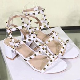 Wholesale Comfort Shoes Heels - 2018 Women Rivet Sandals Brand Designer Fashion Studs Party Shoes Summer Buckled Gladiator Sandals Comfort Chunky Shoes S833