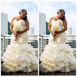 Wholesale satin lace robe long - 2018 Custom Plus Size Dubai Arabic Mermaid Wedding Dresses Tiered Ruched Draped Robe De Marriage Sweetheart Long Floor Length Bridal Gowns