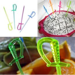 пластиковый кекс Скидка Смешать цвет пластиковый пиратский меч выбирает палочки кекс коктейль свадебный фестиваль декор