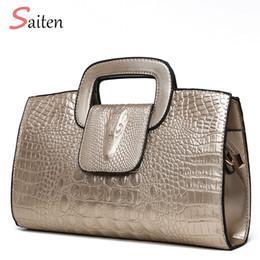 601bbf4e694b6 schwarze mädchenhandtasche Rabatt 2018 Luxus Handtasche Frauen Taschen  Designer PU Ledertaschen Mädchen Mode Alligator Muster Umhängetasche