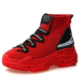 Zapatos oxford blancos de las mujeres online-2018 Primavera Otoño zapatillas de deporte de las mujeres zapatos oxford de cuero de gamuza con cordones zapatos mocasines de punta redonda Negro Blanco Rojo 35-39