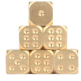2019 mãos de cobre Jogo de festa de família Dados de bronze Dados sólidos de cobre puro Mão polida Bar suprimentos Beber mais divertido. mãos de cobre barato
