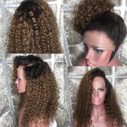 peruvian curly human hair two tone Скидка Ombre # 1bT30 Парики из натуральных волос с вьющимися волосами Вьющиеся перуанские волосы в парике Реми Плотность 180% Двухцветный темно-коричневый цвет с детскими волосами