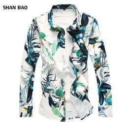 Camicia floreale degli uomini caldi di vendita 2018 Autunno nuovo fiore  cinese camicia a maniche lunghe da uomo Slim Fit Uomo Camicie Casual Plus  Size 7XL 704762e87d7
