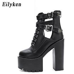 Sandálias de plataforma branca laços on-line-Eilyken moda 2018 outono mulheres botas 15 cm plataforma fivela cinta rendas até couro sandálias curtas bota sapatos de senhoras brancas pretas