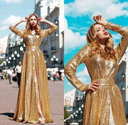 Écharpes dorées en Ligne-Sparkly Golden Sequined Robes De Bal Avec Ceinture Sash Front Split Manches Longues Fashion Robes De Soirée De Paillettes A-Line