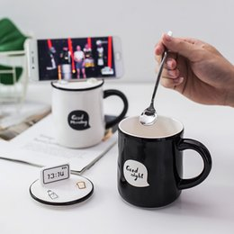 2019 держатель керамической ложки 380ml Couple Ceramic Cup Cute Cartoon Student Good Morning Breakfast Milk Coffee Mug with Lid Spoon Mobile Phone Holder Function скидка держатель керамической ложки