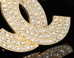 2019 terno das meninas para o casamento Novo designer de liga multi-drenagem carta diamante broche menina senhoras terno da jóia do presente de casamento acessórios de moda terno das meninas para o casamento barato