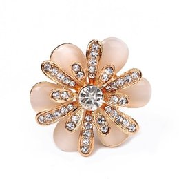 Wholesale scarf ring buckle - DreamBell Rhinestone Crystal Camellia Flower Scarf Buckle Three Ring Scarf Clips for Women Wedding Party